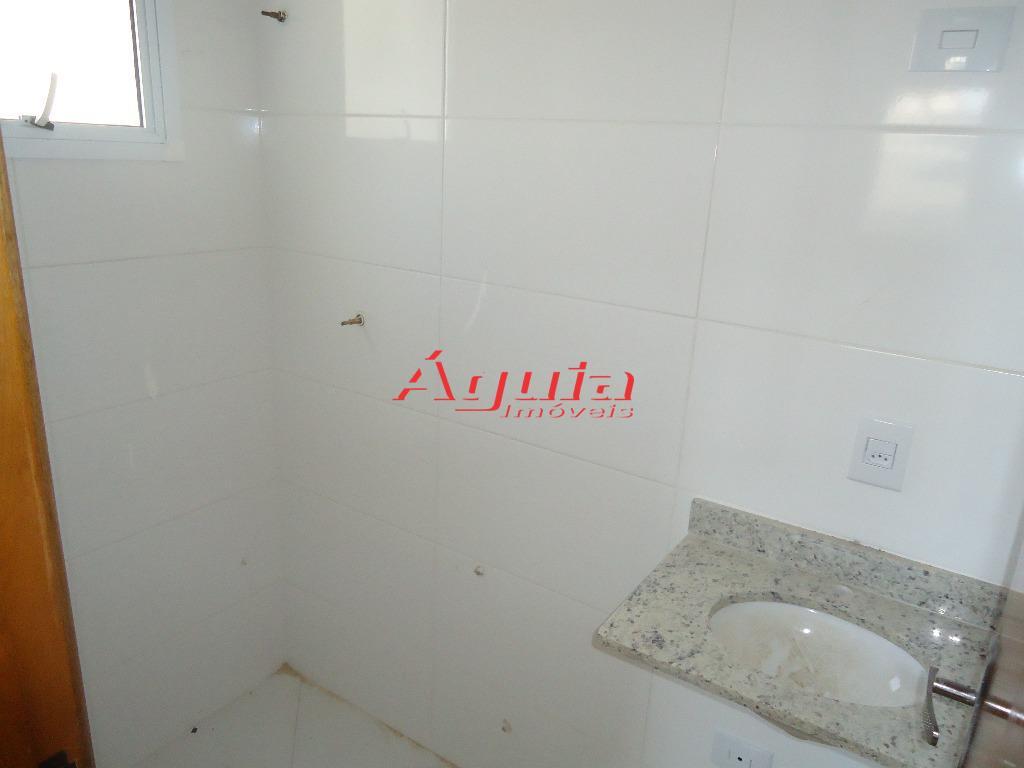 Apartamento de 2 dormitórios em Jardim Santo Alberto, Santo André - SP