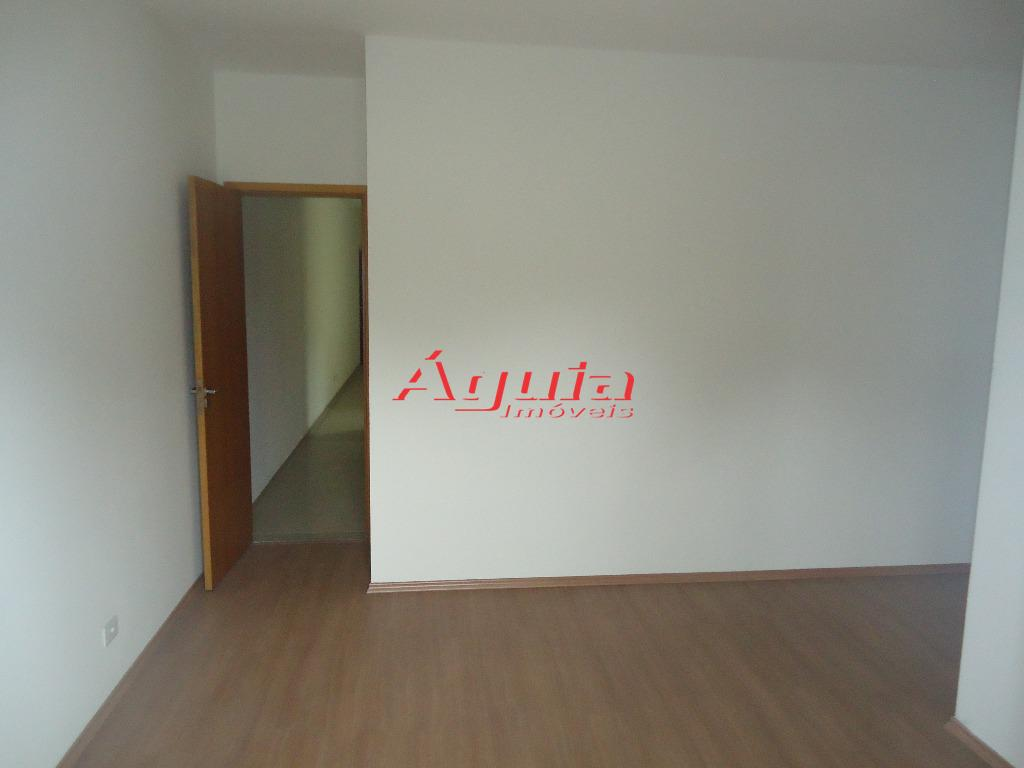 Apartamento de 2 dormitórios em Parque Jaçatuba, Santo André - SP