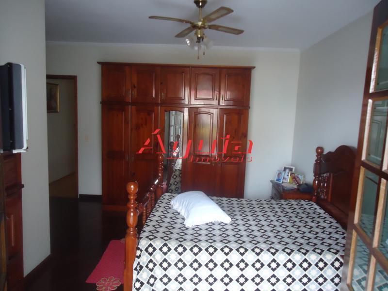 Sobrado de 3 dormitórios à venda em Vila Camilópolis, Santo André - SP