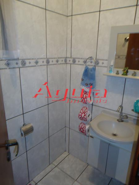 Sobrado de 3 dormitórios em Jardim Santo Alberto, Santo André - SP