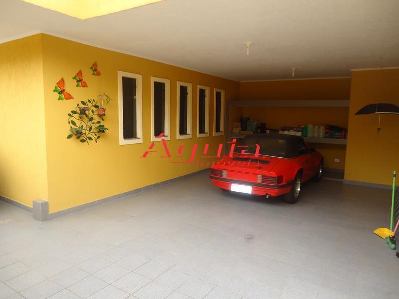 Sobrado de 3 dormitórios em Jardim Santo Antônio, Santo André - SP