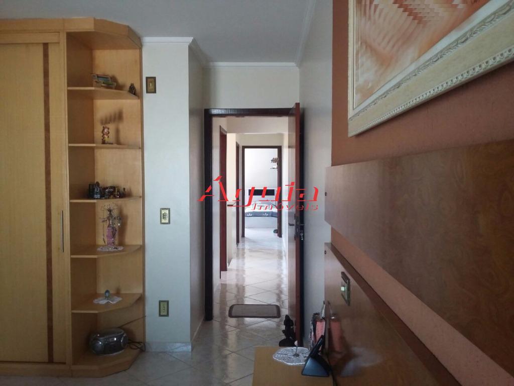 sobrado no parque novo oratório / com 3 dormitórios (2 com armários planejados), suite, sala, lavabo,...