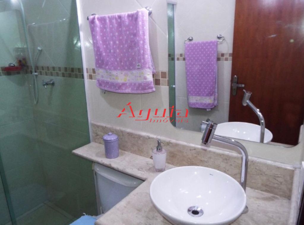 sobrado no parque jaçatuba - com 3 dormitórios (com planejados),1 suíte, sala, lavabo,, cozinha (com armários...