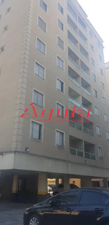 Apartamento com 3 dormitórios à venda, 67 m² por R$ 320.000 - Santa Teresinha - Santo André/SP