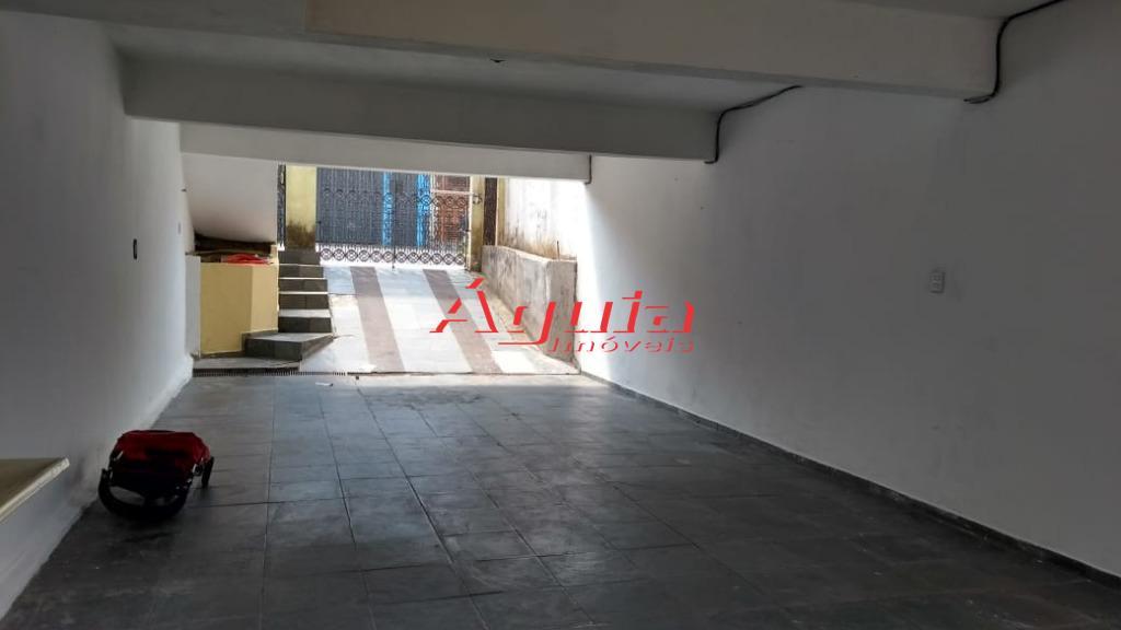 Sobrado com 3 dormitórios à venda, 240 m² por R$ 440.000 - P