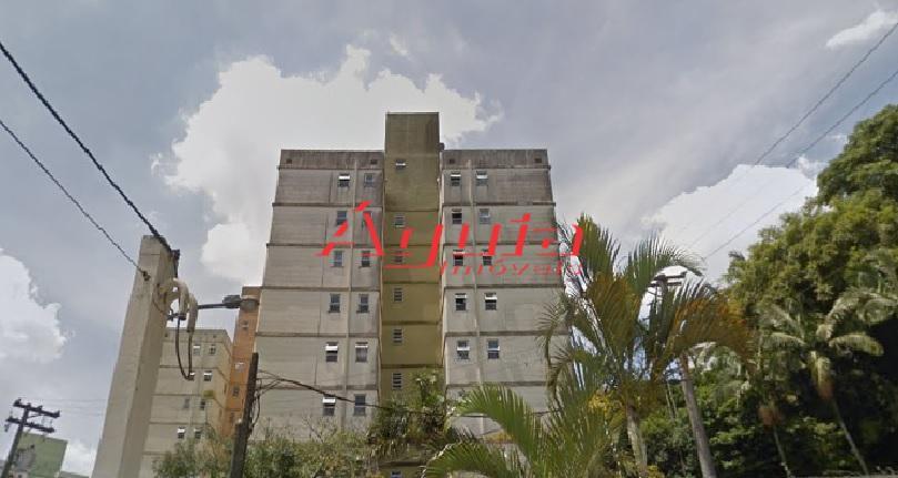 Apartamento com 2 dormitórios à venda, 52 m² por R$ 197.000 - Vila Guarará - Santo André/SP