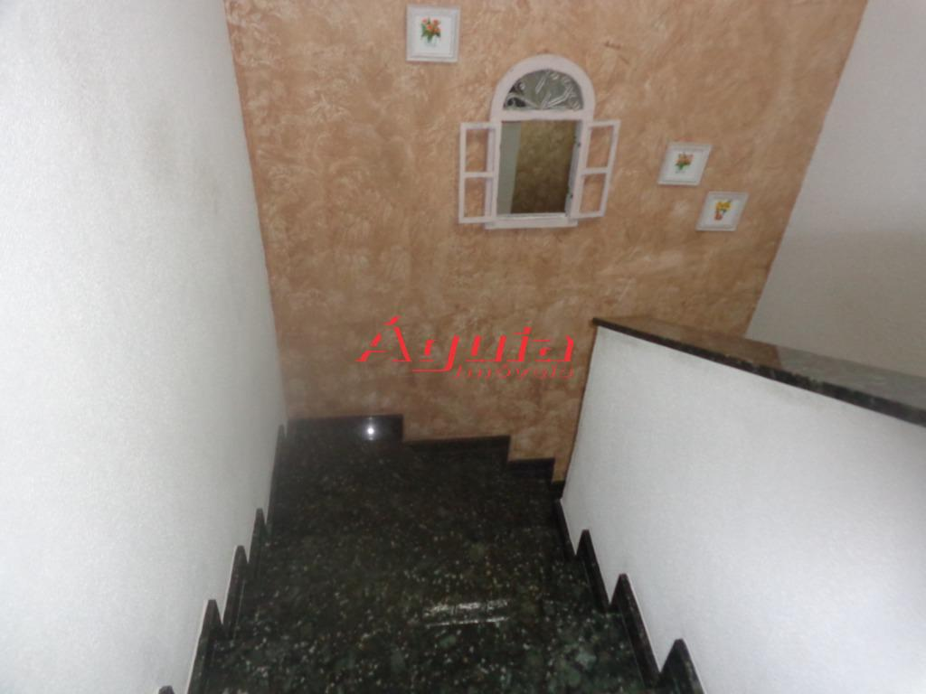 Sobrado com 3 dormitórios à venda, 164 m² por R$ 595.000 - P