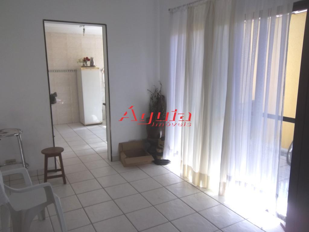 Casa com 3 dormitórios à venda, 185 m² por R$ 477.000 - Parque Jaçatuba - Santo André/SP