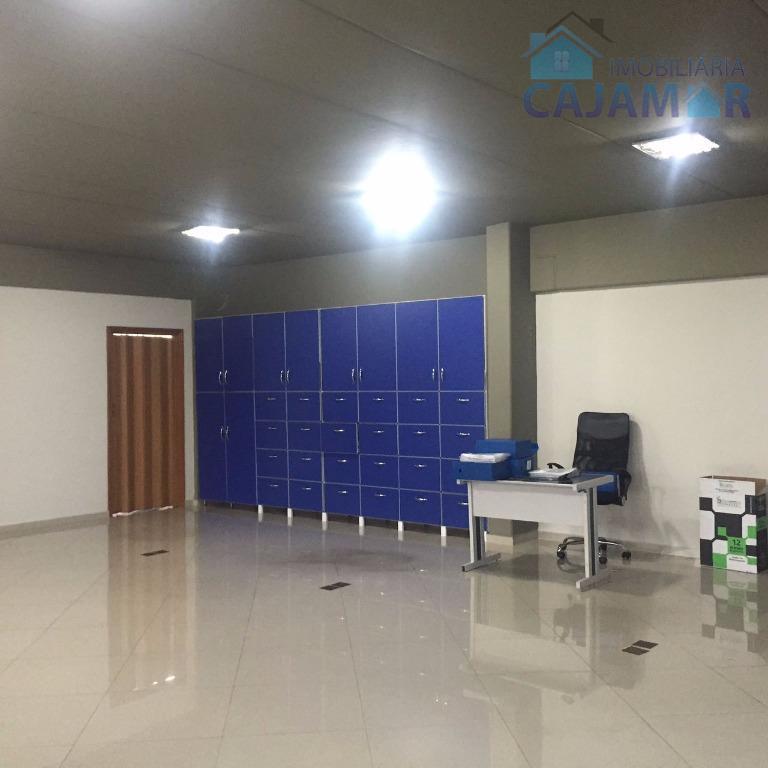 lindo prédio para locação em jordanésia, com ótima localização;com quatro pavimentos, sendo:primeiro pavimento: garagem para cinco...