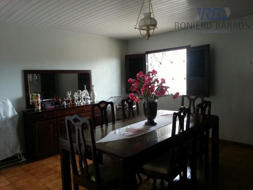 casa com 3sls, lavabo, 3 qts sendo 1st, wc social, cozinha, dce, lavanderia, área de lazer...