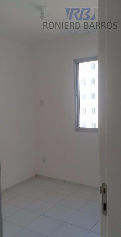 apartamento com sala de estar e jantar, varanda, banheiro social, dois quartos, cozinha e área de...