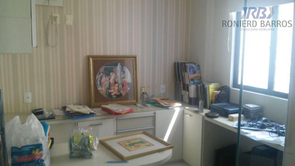belíssimo apto com 210,00m2, ampla sala, vista definitiva para o mar, 4 suítes mais escritório, 3...