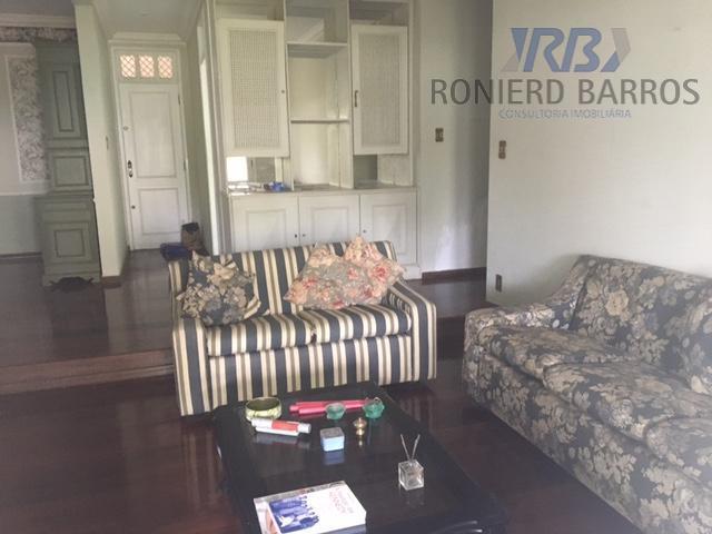 casa composta de sala de estar e jantar, um quarto, uma suite, banheiro social, cozinha, área...