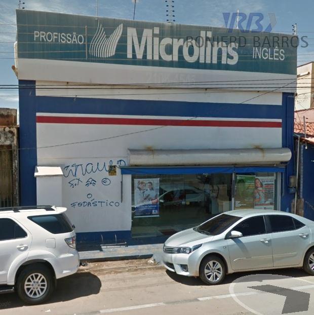 prédio comercial com dois pavimentos, medindo 400 m².próximo a parada de ônibus, farmácias, centros comerciais, bancos,...