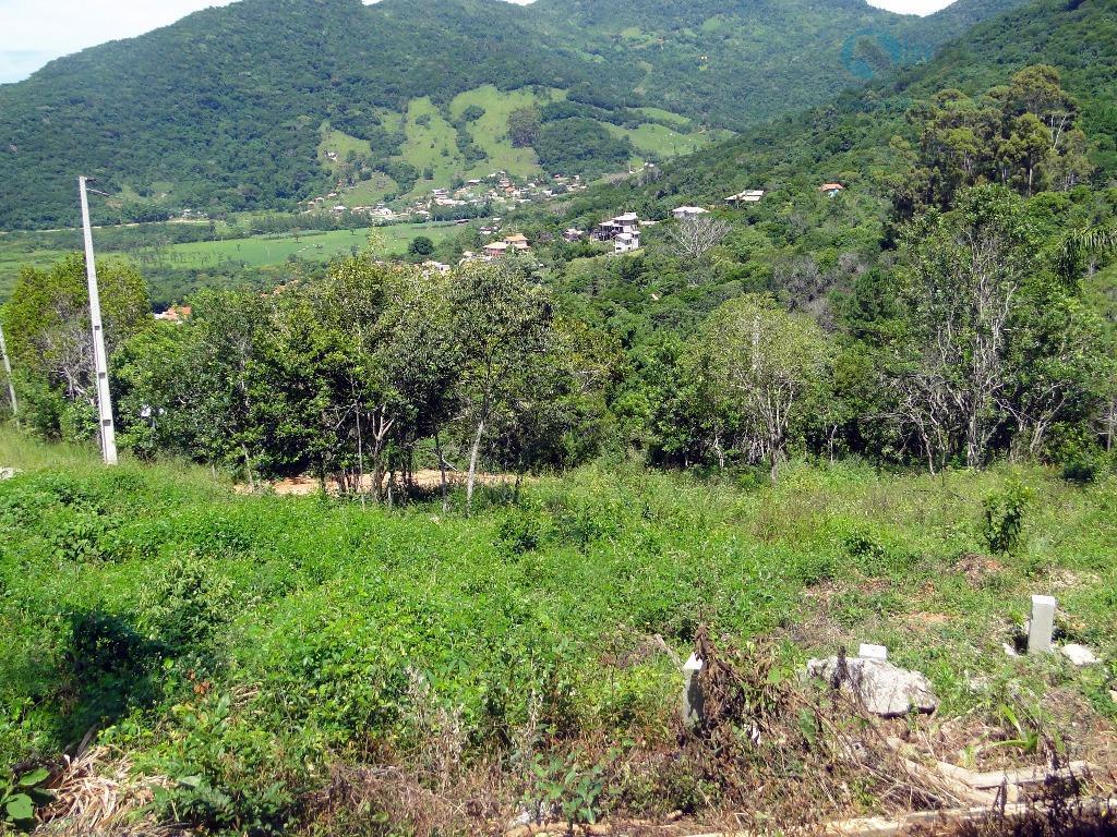 terreno com ótima localização, em meio a muita natureza e tranquilidade. possui uma belíssima vista para...