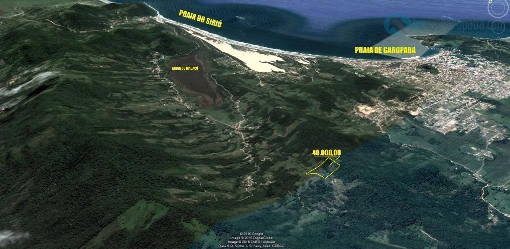 belíssima área medindo 20.000m² com vista espetacular para a praia do siriú. semi plana, livre de...