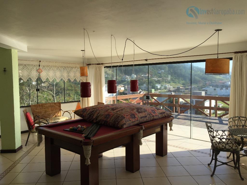 linda casa, muito bem construída, duas grandes varandas com vista para o mar, área de convivência...