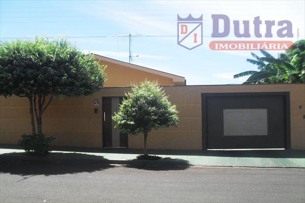 Casa residencial à venda, Centro, Jardinópolis - CA0416.