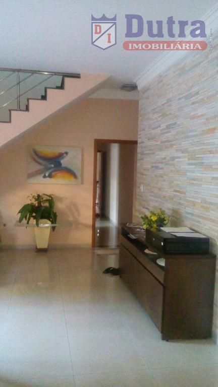 casa sobradada com área de lazer e escritório/consultórioem excelente estado de conservaçãoampla e rica em detalhes.