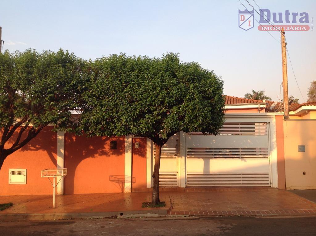 Casa residencial à venda, Centro, Jardinópolis - CA1260.