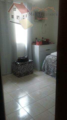 ótima casa, bem localizada com 2 dorms, sendo 1 com suíte, semi mobiliada com armários em...