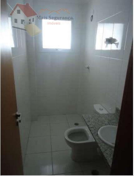 lindo apartamento na vila tupi...com 2 quartos,vista para o mar...apartamento com varanda em todo ele, com...