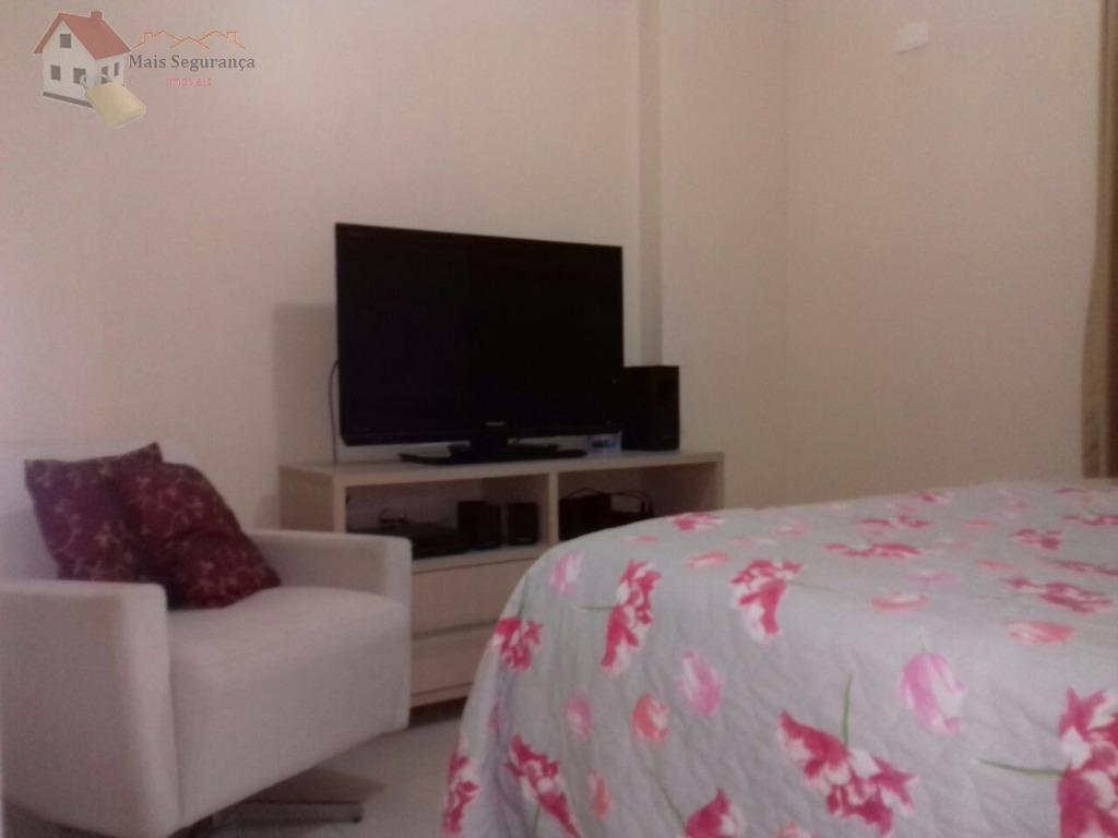 lindo apartamento,com 3 dormitorio sendo 1 suite,sala,cozinha com moveis embutidos,banheiros,varanda com 2 ambientes,2 elevadores,portaria 24 hrs,vaga...
