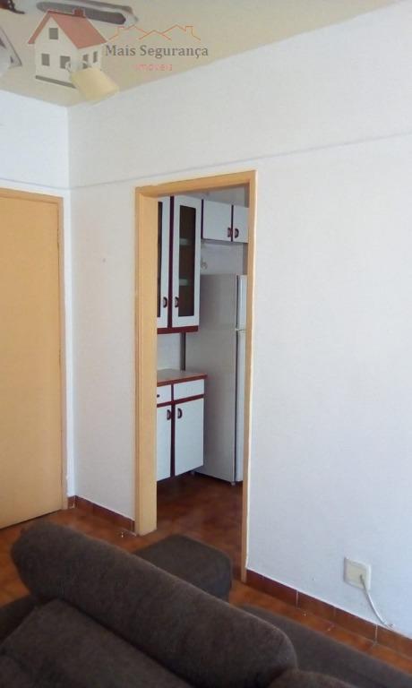 lindo apartamento,com 1 quarto,sala,cozinha e banheiro...tendo direito a uma vaga de garagem,area de serviço isolada,elevadores,semimobiliado...otima localidade,perto...