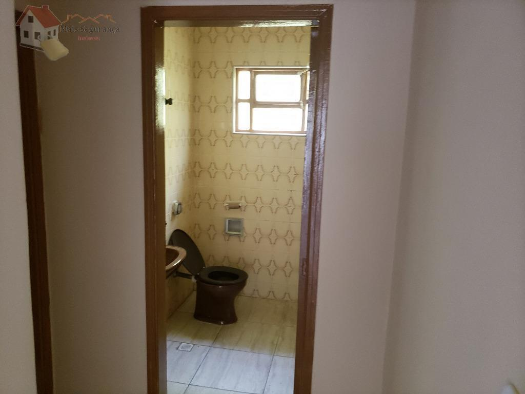 oportunidade!!!casa enorme, isolada, com 3 dormitórios, quartos espaçosos, sala grande, cozinha arejada, com quintal no fundos,...