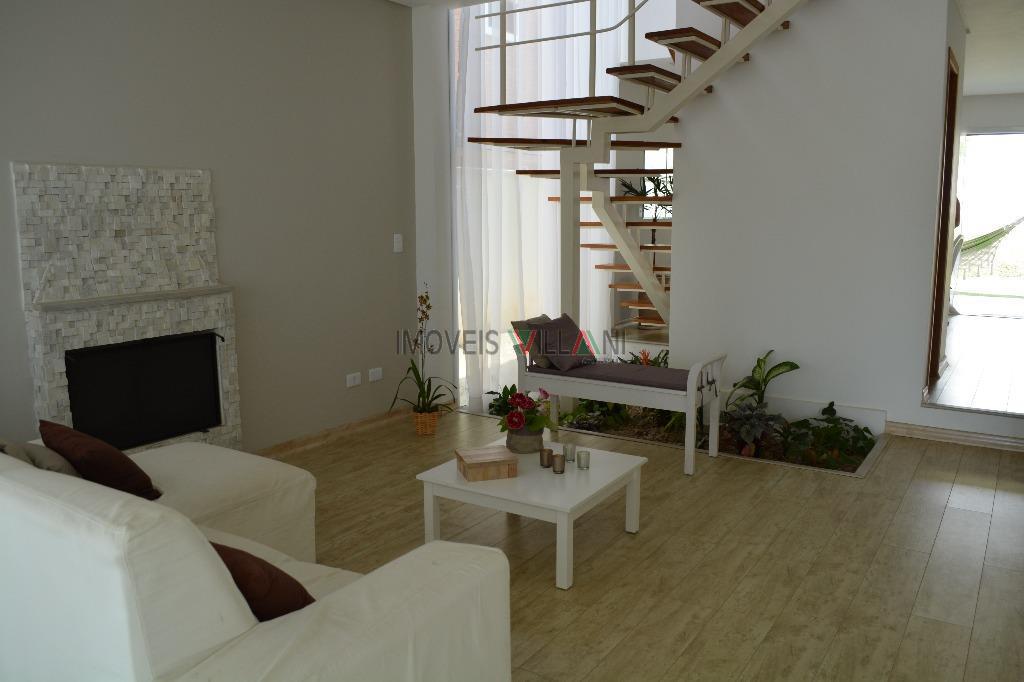 Lindo sobrado localizado no bairro Urbanova - Zona Oeste de São José dos Campos.