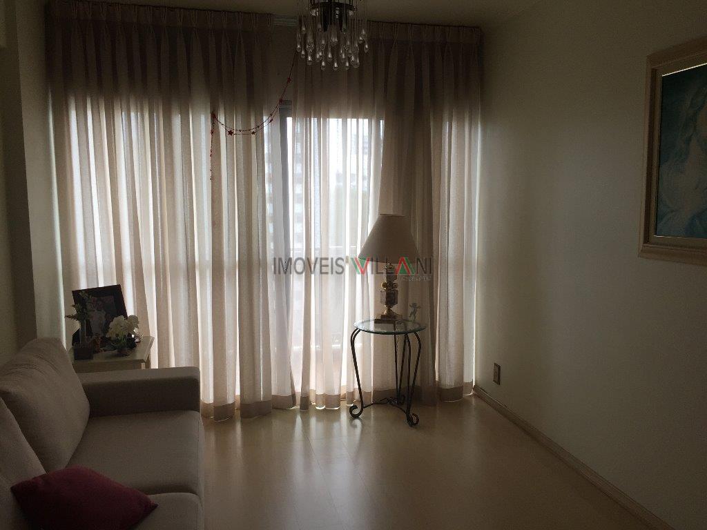 Apartamento com 3 dormitórios, na Vila Adyana, entre as Avenidas São João e Nove de Julho