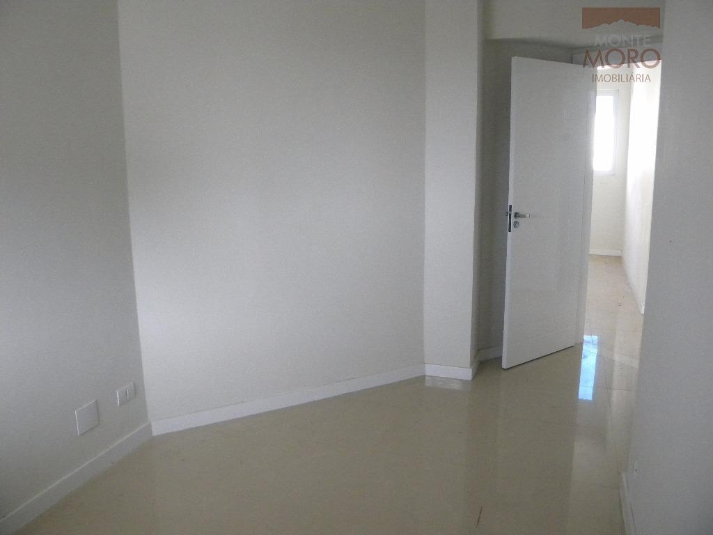 lindo apartamento na cobertura do edifício las brisas - duplexcontém:-- 1 suíte;-- 2 quartos;-- cozinha;-- sala...