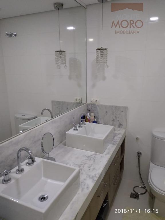 Apartamento com 3 dormitórios à venda, 131 m² por R$ 970.000