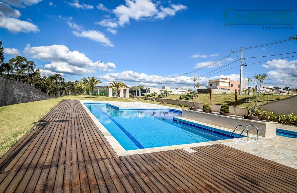 venha desfrutar de qualidade de vida em um condomínio com apenas 92 lotes e ótima área...