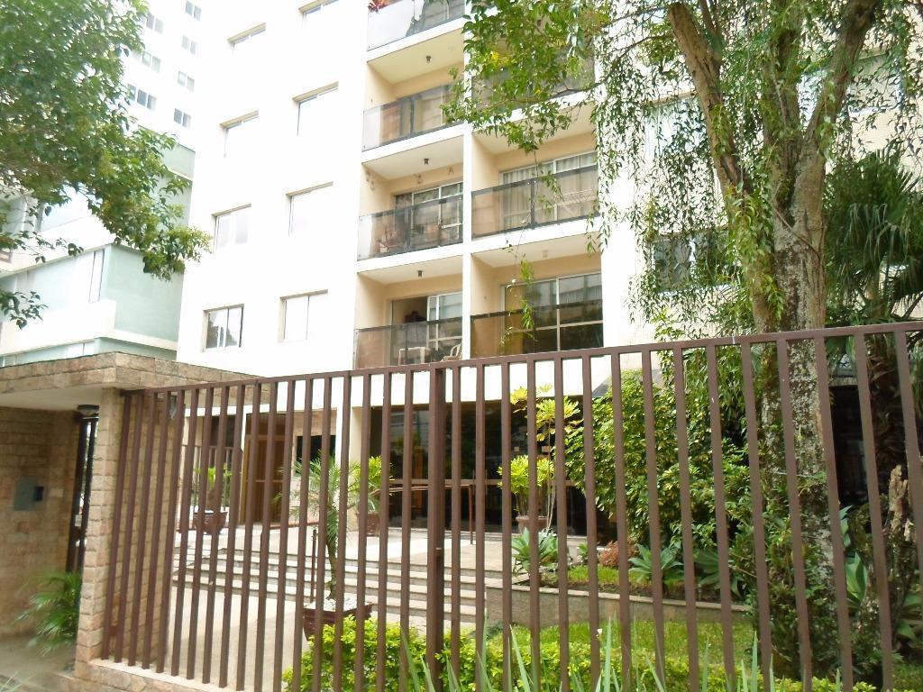 Apartamento residencial para locação, Centro, Curitiba.