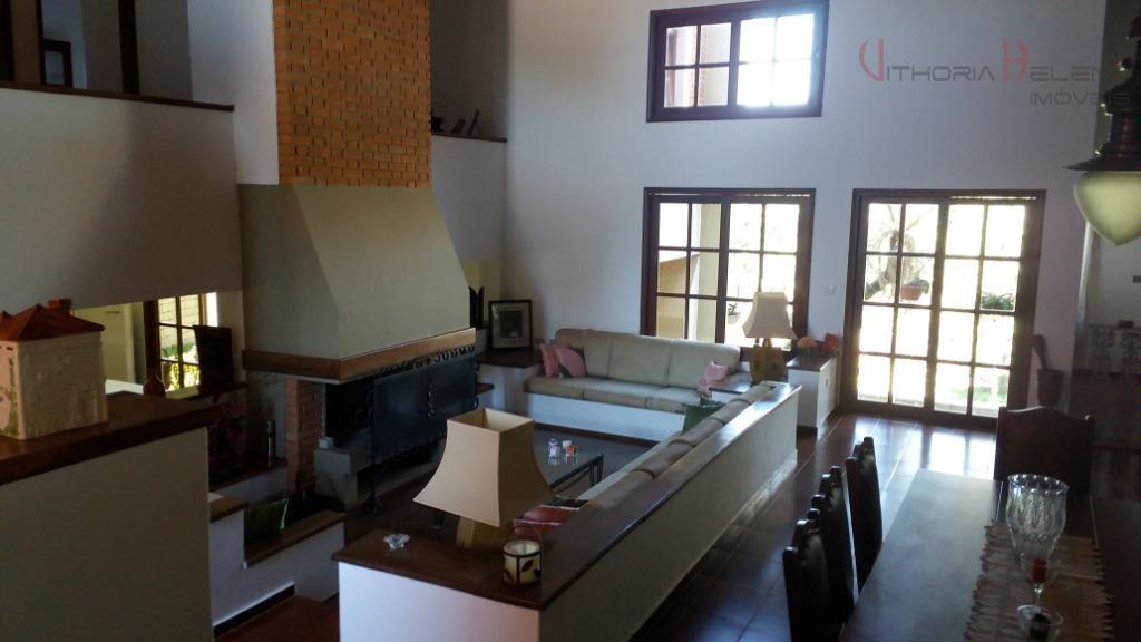 casa em condomínio fechado de alto padrão, projeto do renomado arquiteto heitor coltro, sendo na área...