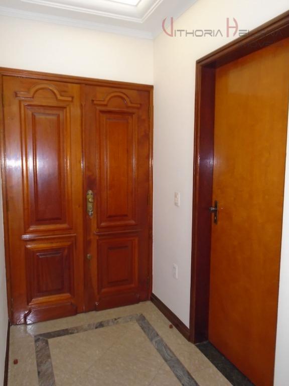 excelente residencia em bairro de alto padrão, com 3 amplos dormitórios, sendo 01 suíte todas com...