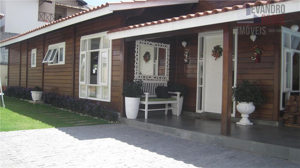 Casa térrea à venda, Parque Residencial Itapeti, Mogi das Cruzes.