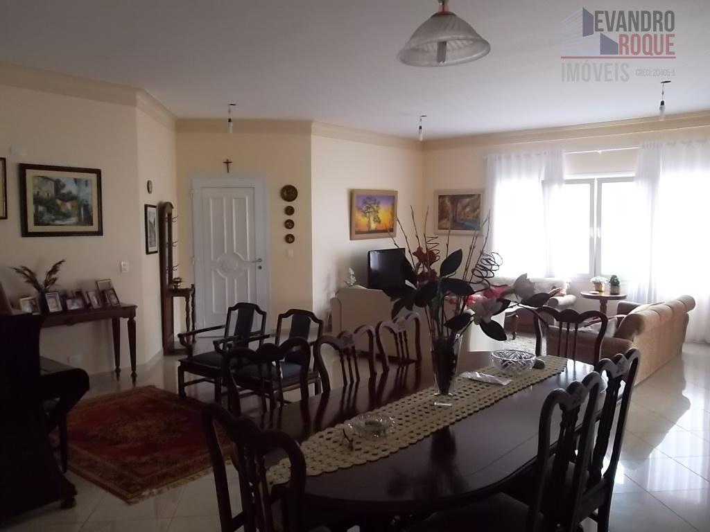 Casa Térrea à venda, Vila Oliveira, Mogi das Cruzes.