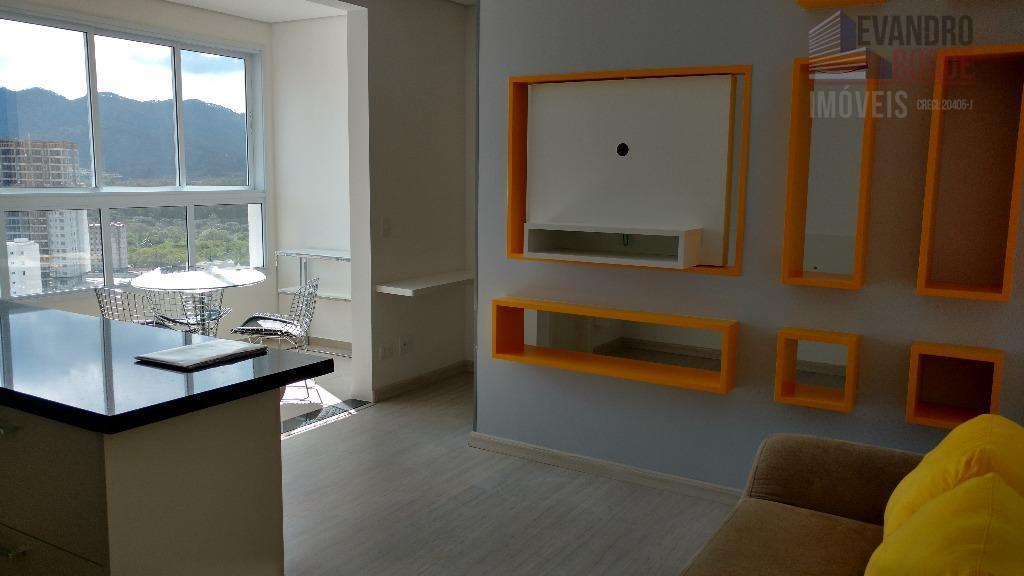 Apartamento residencial para locação, Loteamento Mogilar, Mogi das Cruzes.