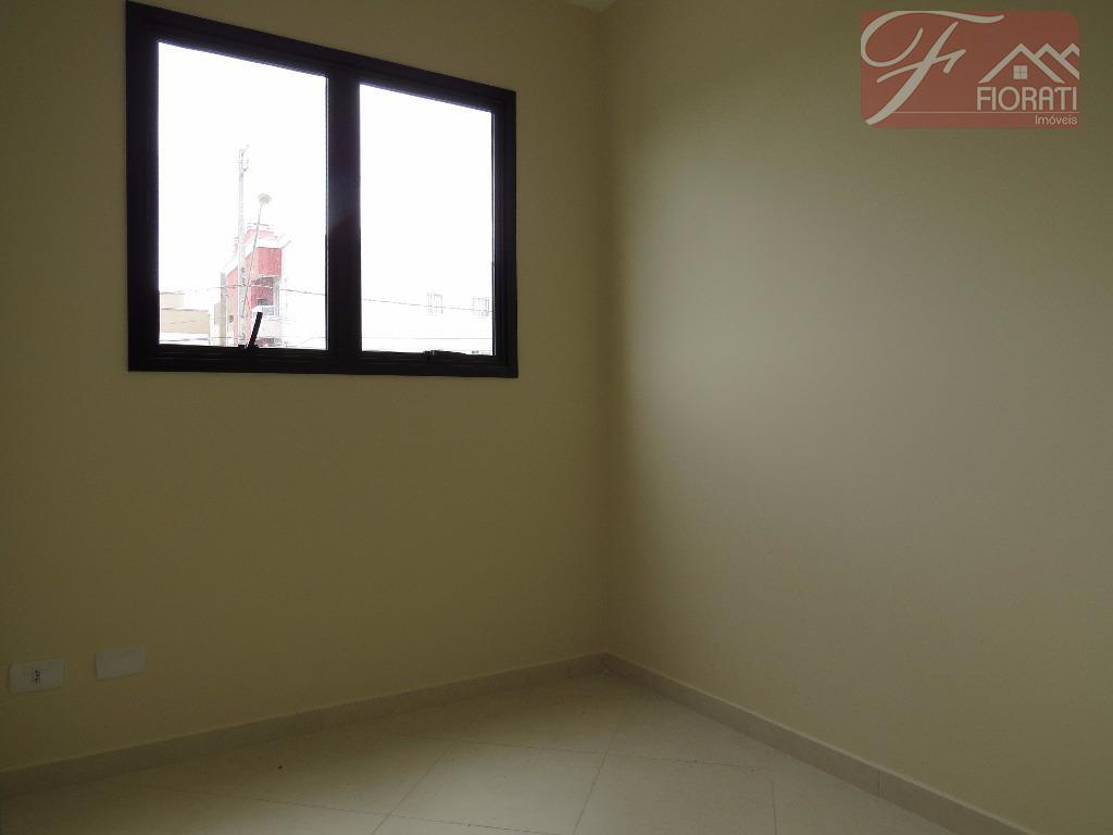excelente apartamento contendo 02 dormitórios, sala, cozinha, banheiro, área de serviço e 01 vaga de garagem....