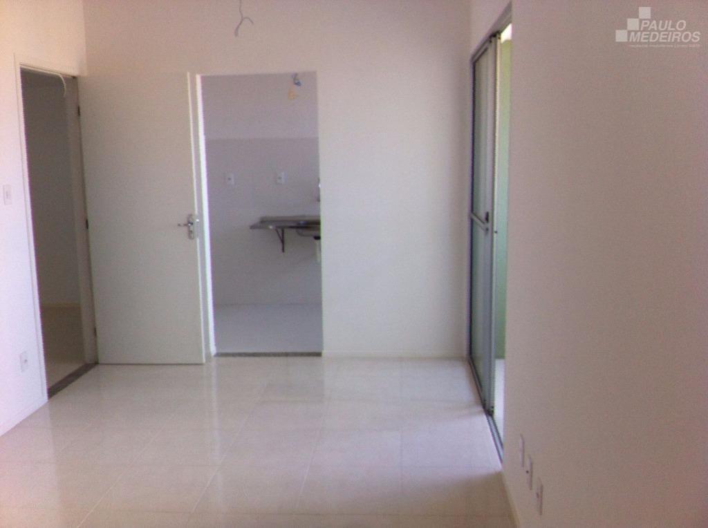 Apartamento residencial à venda, Luís Anselmo, Salvador.