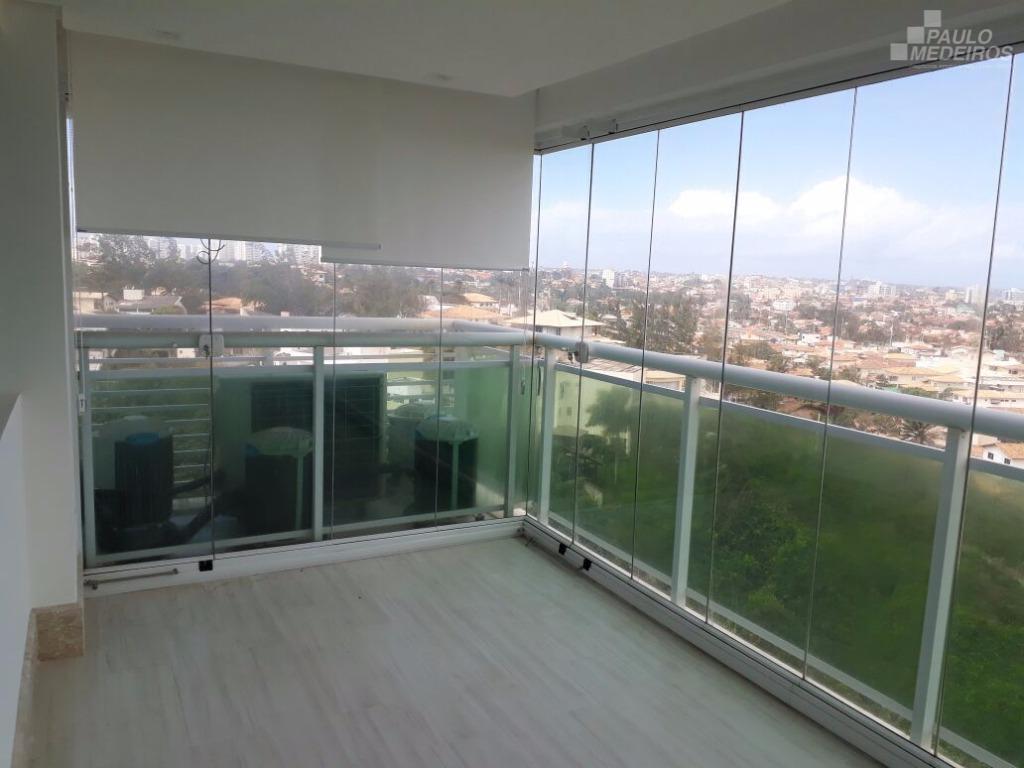 Apartamento com vista privilegiada para o mar em Patamares.