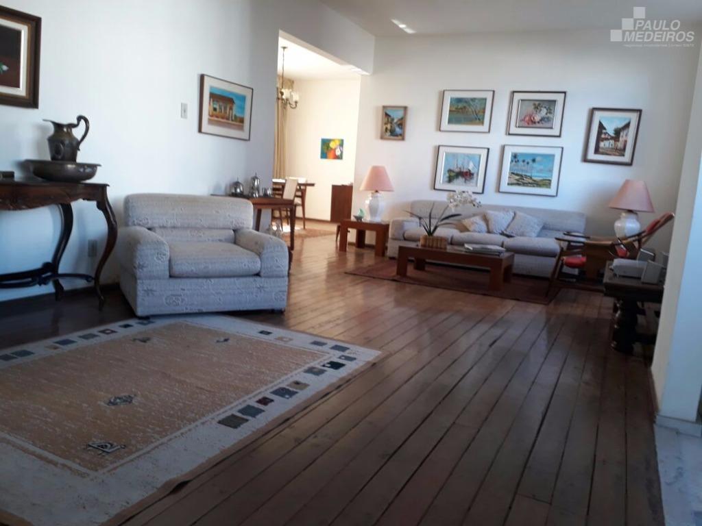 Apartamento à venda na Barra