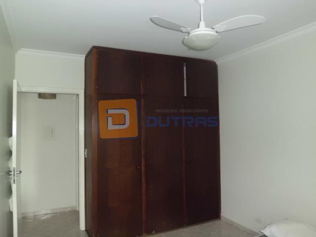 apto mobiliado, pronto para morar.sala com tv, rack, mesinha de apoio, sofá e ventilador de teto...