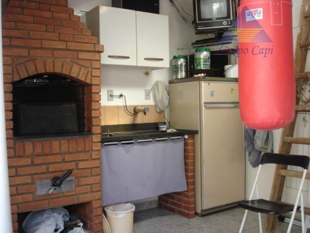 sobrado2 dormitórios ,sala, cozinha banheiro, lavabo,1 vaga, churrasqueira . edícula.localfinal da rua serra da jurea com...