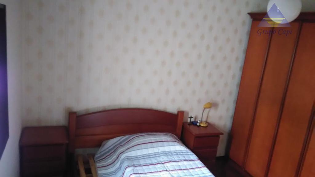 sobrado2 dormitórios ,sala, cozinha banheiro, lavabo,1 vaga, churrasqueira . edícula.