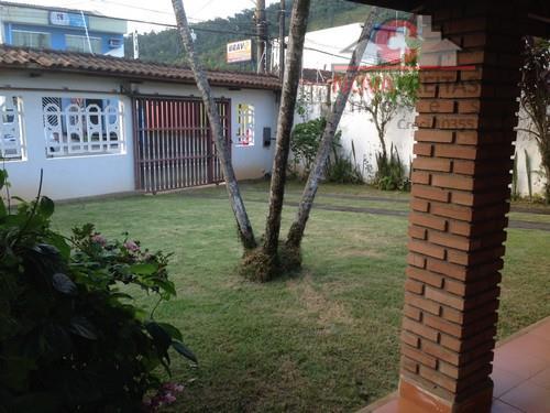 Casa de 2 dormitórios à venda em Centro, Caraguatatuba - SP
