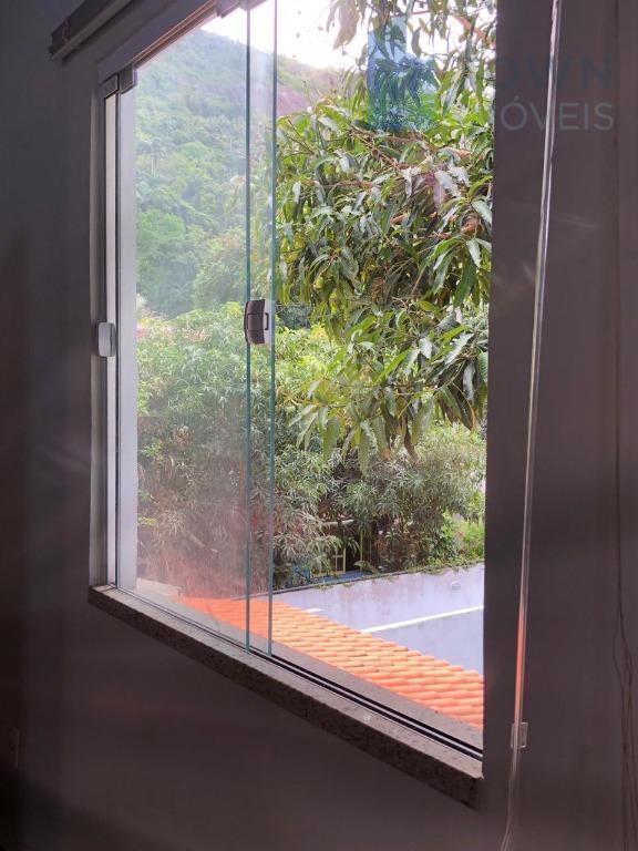 Kitnet com 1 dormitório para alugar, 25 m² por R$ 1.200,00/mês - Piratininga - Niterói/RJ