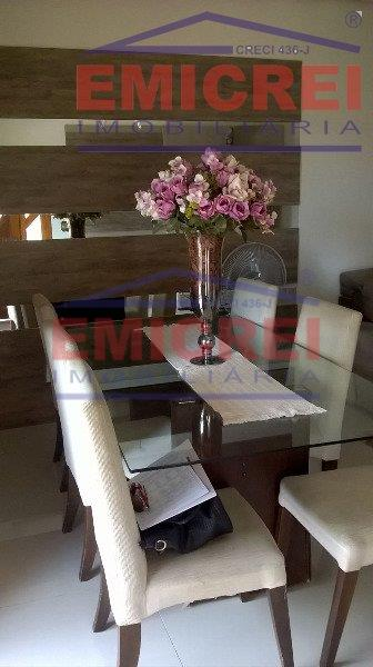 lindo sobrado no bairro santa teresa, 285m² de área construída, com 3 dormitórios (sendo uma suite...